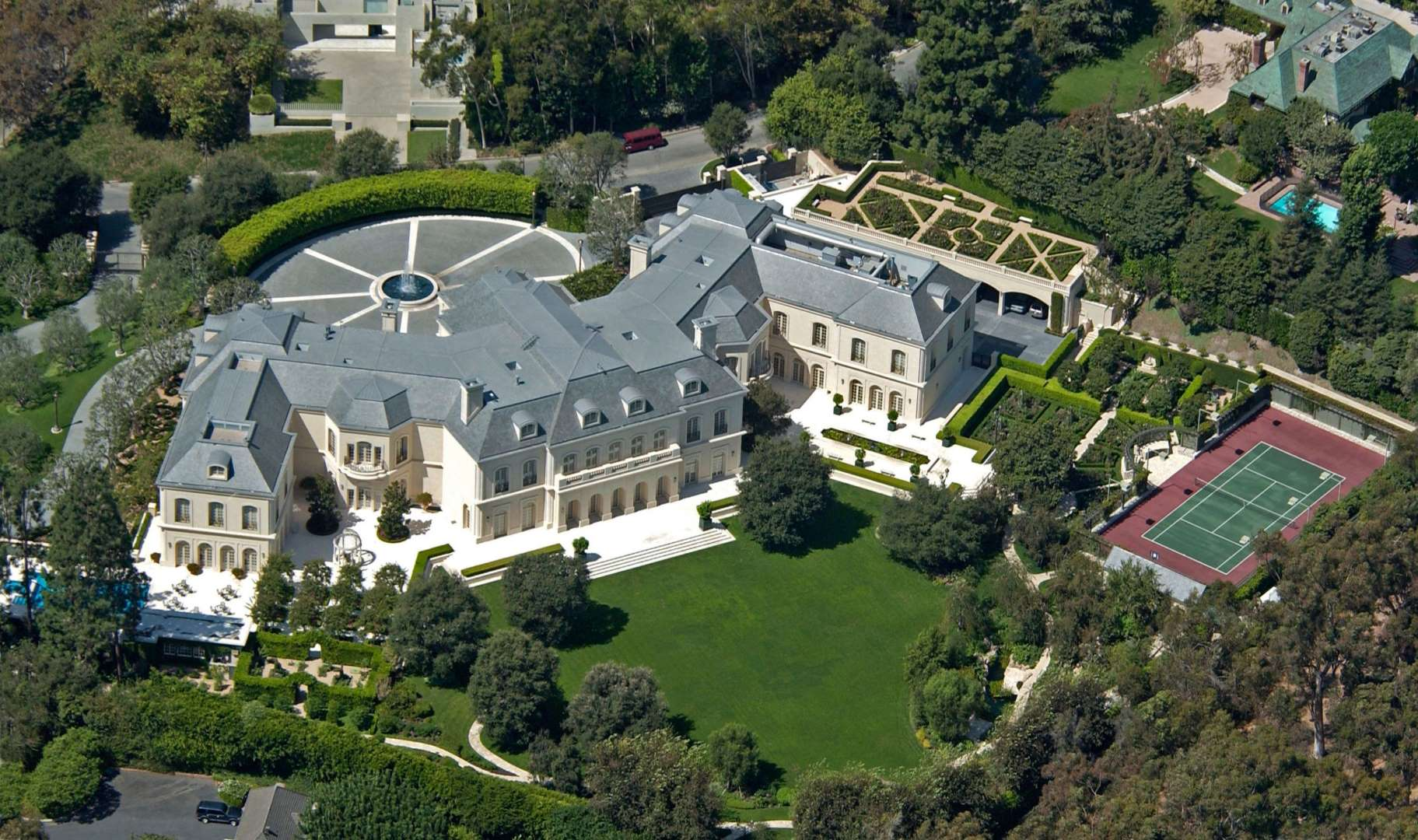 WFP BLOG   L.A.\'s Greatest Party House - Spelling Manor